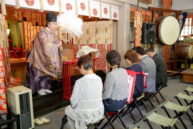 小野八幡神社でご祈祷中2016年5月