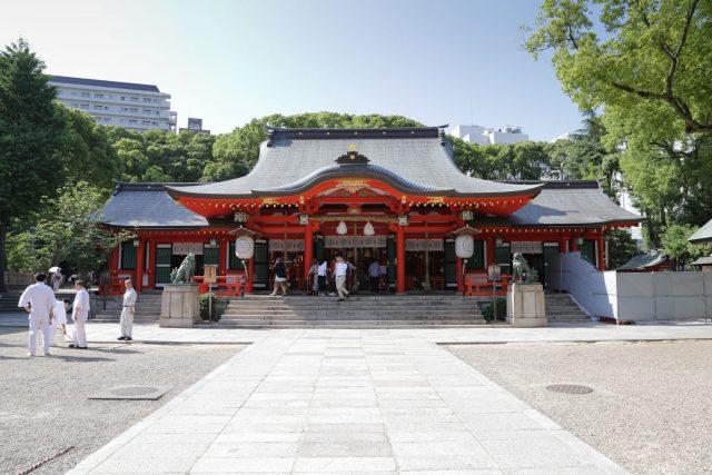 神戸市中央区の生田神社本殿 ロケーションフォトは三宮のココロスタジオ