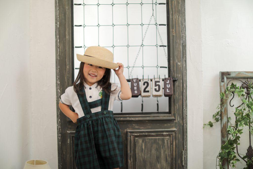 幼稚園の衣装で撮影、ココロスタジオ|神戸市中央区八幡通